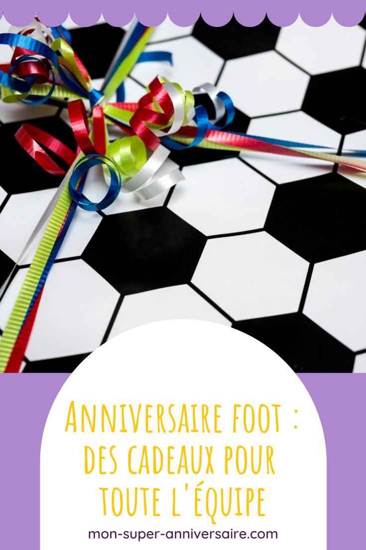 Découvre notre liste de petits cadeaux d'invités qui feront plaisir. Il ne te reste plus qu'à les glisser dans un petit sac à la fin d'une journée d'anniversaire foot.