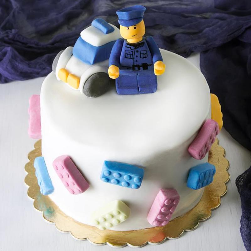 Un Gateau Original Et Gourmand Pour Un Anniversaire Lego