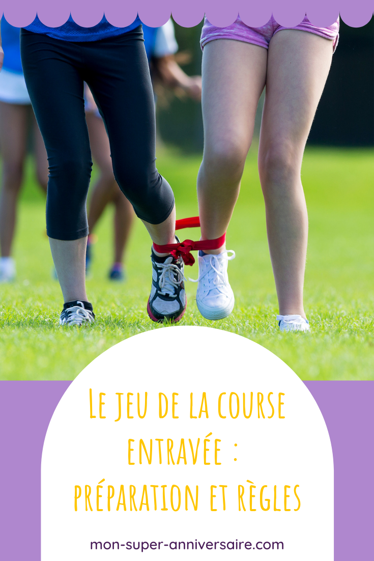 Le jeu de la course entravée est un jeu d'extérieur idéal pour occuper les enfants lors d'un anniversaire.