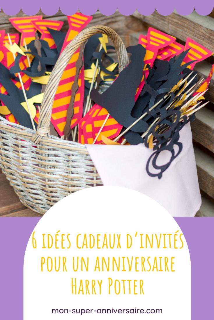 Découvre 6 idées de cadeaux magiques pour faire plaisir aux invités d'un anniversaire Harry Potter : crayon balai, dragées surprises, etc.